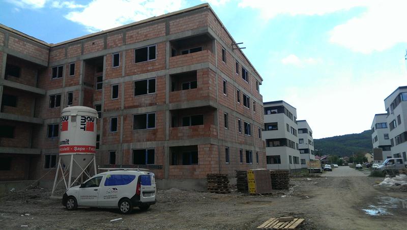 acoperis tigla metalica cartier rezidential 12 blocuri in Loc. Floresti din Jud. Cluj