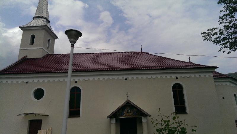 Acoperis tigla metalica biserica Aiud